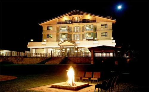 Mesmerizing View of Hotel Vintage in Gulmarg