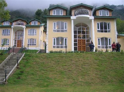 Plush Ambiance of Forest Hill Resort in Pahalgam