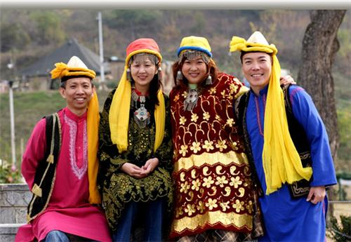 Colorful Costumes of Jammu and Kashmir