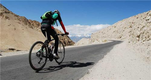 Cycling tour from   Srinagar to Leh