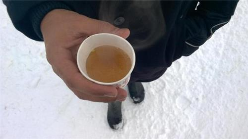 The ht brewing Kahwa in Gulmarg