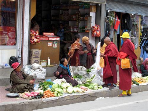 Main Bazar Road in Leh
