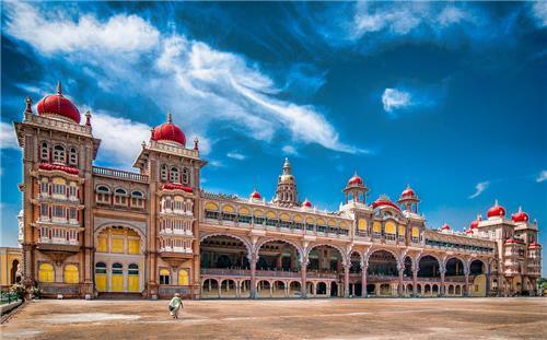 Best places for solo women traveler in Karnataka