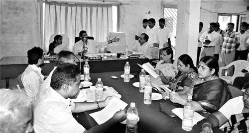 Government Officials in Hospet