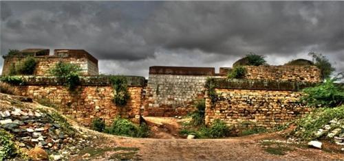 Pavagada Fort