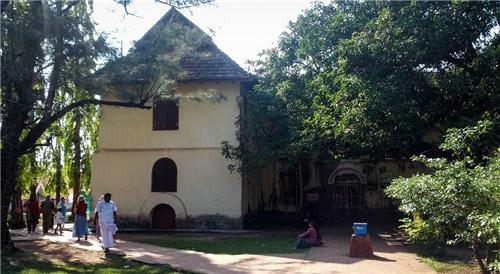 Kochi Monuments