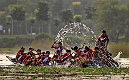 Boat races in Kolkata