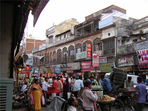 Aminabad Lucknow Book Market