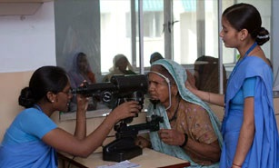 Eye specialists in Lucknow