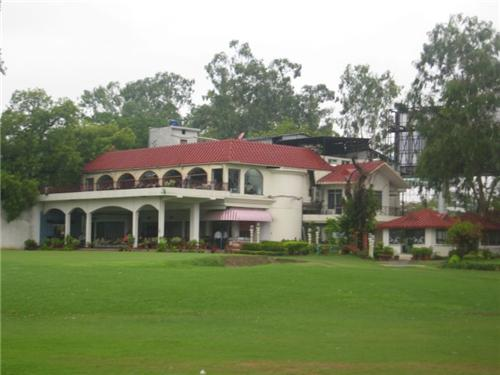 lucknow golf course