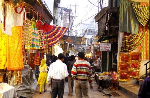 Lucknow Street Market