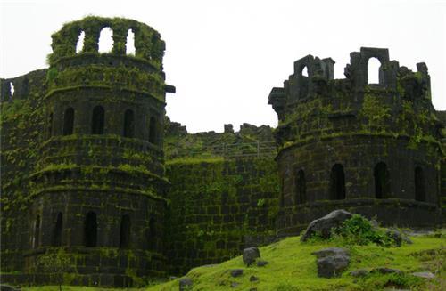 Korlai Fort and Lighthouse