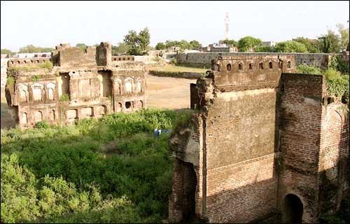 Parola Fort in Jalgaon