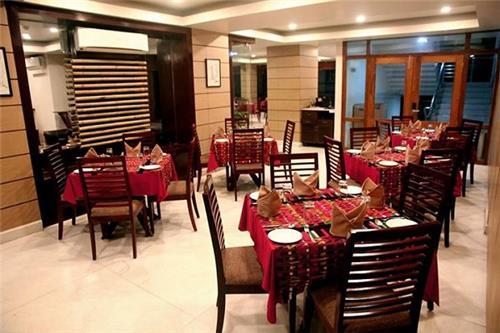 Zamzo Inhouse Restaurant, Hotel Floria