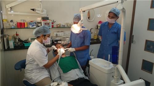 Dentist in Katni