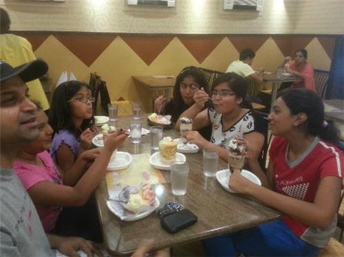 Ice Cream Parlour in Katni