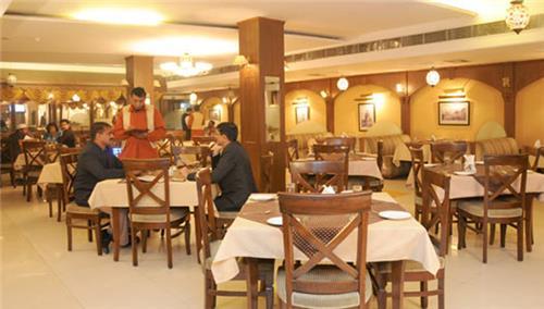 Restaurants in Morena
