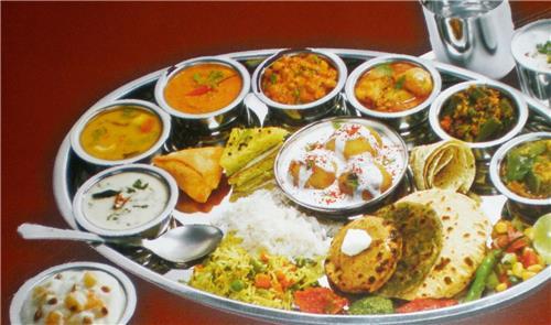 A typical Thali in Omkareshwar