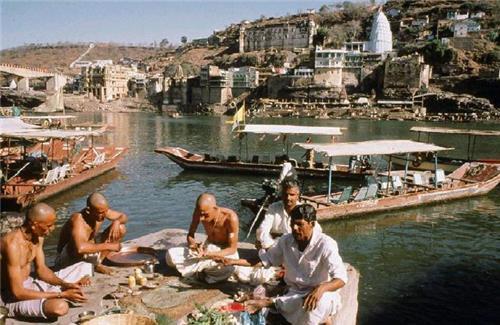 Life in Omkareshwar
