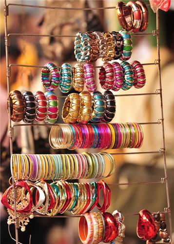 Bhuleshwar Market in Mumbai
