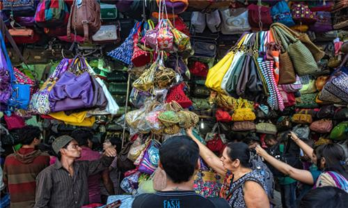 Best Street Shopping in Mumbai