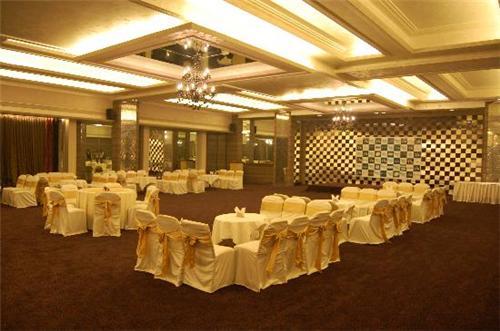 Hotel Center Point Nagpur