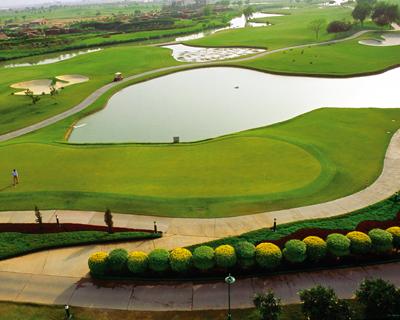 golf courses in noida