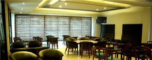 Dining facilities at Hotel Hive Panipat