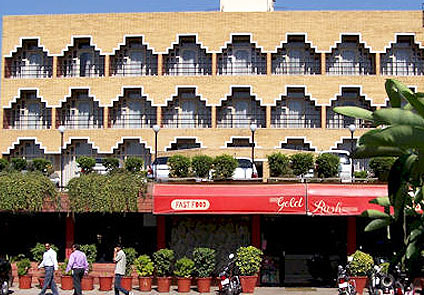 Famous Hotel Gold in Panipat