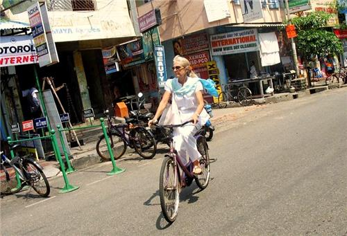 Cycling in the streets of Puducherry