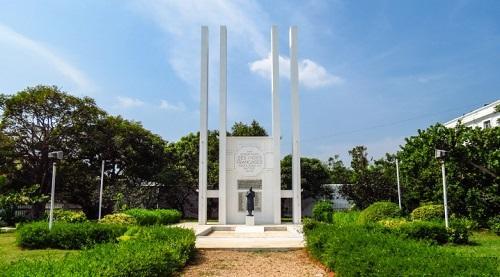 War Memorial Pondy