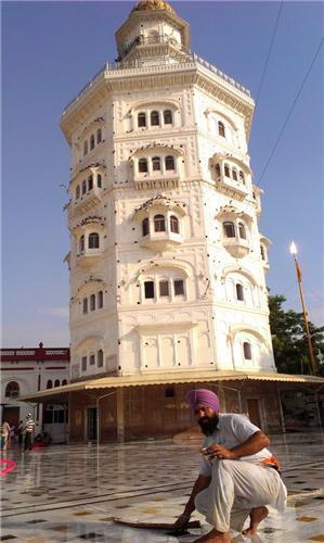 Gurdwara Baba Atal in Punjab