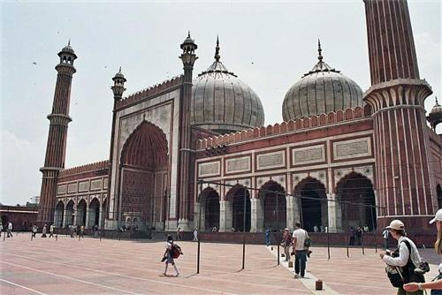 Famous Mosques in Pune