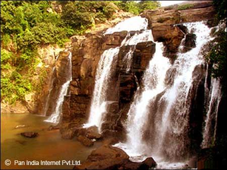 Famous Waterfall in Ranchi
