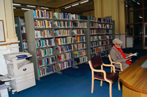 Readers at State Library, Shimla