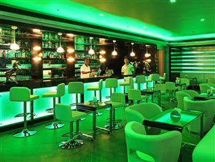 Pubs and Bars in Surat