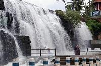 Tirparappu Waterfalls