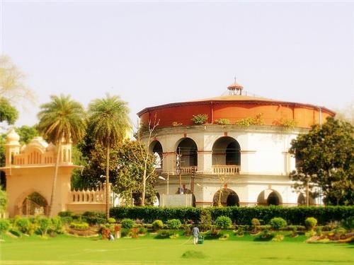 15 Holiday Places in Uttar Pradesh