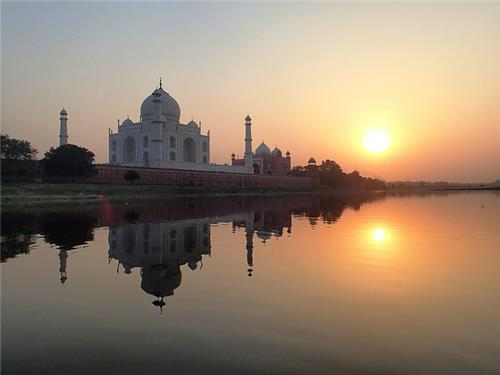 Travel to Agra