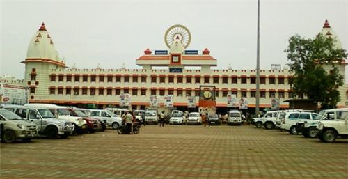 Varanasi railway station Code
