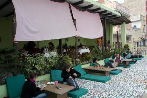varanasi-lotus-lounge