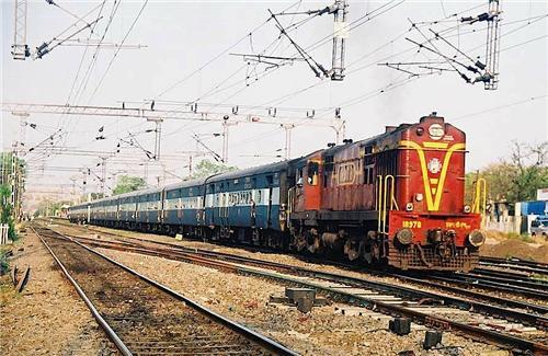 Trains in Wardha
