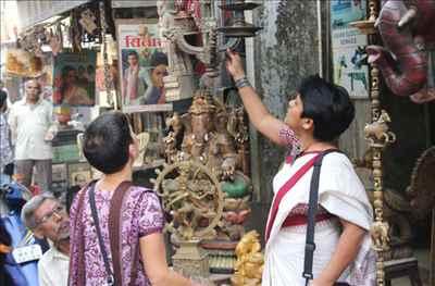 Shopping in Uttarpara Kotrung