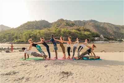 9 Days Rejuvenating Luxury Yoga Retreat in Rishikesh India