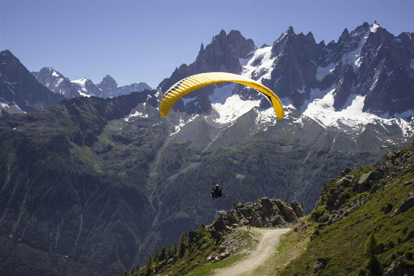 paragliding-mountains-sport-paraglider-163228