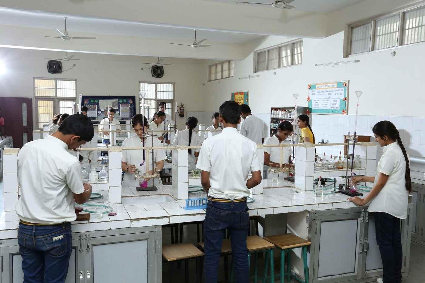 science lab(1)