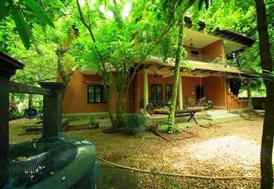 Malakkarethu House - Aranmula Homestay