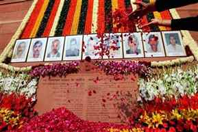 Nation pays tribute to martyrs of 2001 Parliament attack