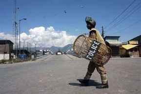 कश्मीर घाटी में स्थिति शांत, कल से माध्यमिक स्कूल भी खुलेंगे