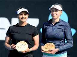 Sania Mirza wins women's doubles title of WTA International trophy